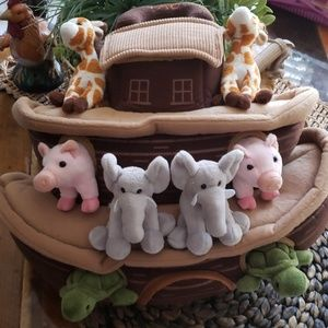 New FAO Noah's Ark with 8 animals